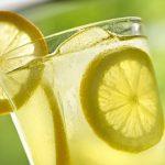 Reemplace las píldoras por agua de limón para una mejor salud