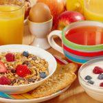 Incluya estos alimentos a su desayuno y elimine la grasa