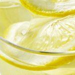 Lo malo del agua de limón. Es lo único perjudicial. Conózcalo